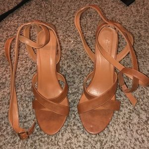Tan Lace Up Open Toed Heels! Laces Up Your Leg! 9!